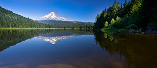 Mt Hood and Trillium Lake, by flickr user smik67, used in accordance with cc-by-nc-md